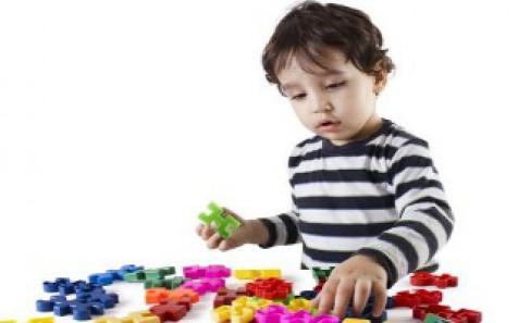 Mách bạn các loại đồ chơi cho trẻ tự kỷ nên dùng